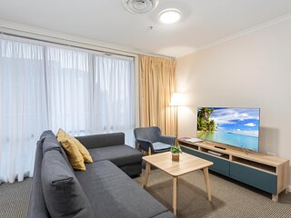 Family Unit with Resort Facilities in Lively CBD