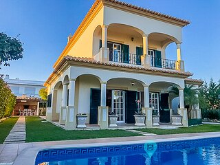 Spectacular FIVE bedrooms Montechoro Villa with private swimming pool