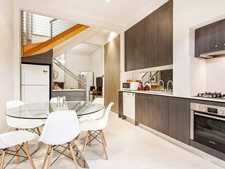 The Crofts - Terrace home in the heart of Richmond