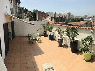 Maison gde terrasse proche sncf et Vie Port