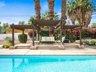 Desert Retreat! Sparkling Pool & Spa! Mountain Views!  3 Master Suites!