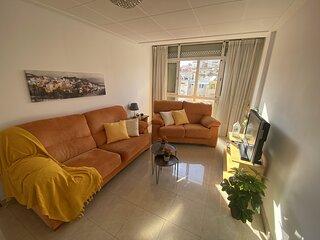 Zonnig en ruime appartement in het centrum van Blanes dichtbij het strand