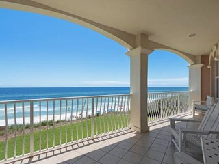 Gulf Front Condo w/unbeatable views! Gulf front Community Pool/Large private gul