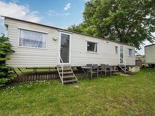 Brilliant 8 berth caravan Cherry Tree Holiday Park in Norfolk ref 70337C