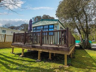 Great dog friendly caravan for hire in Suffolk at Azure Seas ref 32021AS