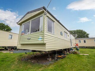 8 berth caravan for hire at the Wild Duck Haven Park Norfolk ref 11012BC