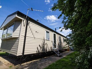 Gorgeous caravan for hire at Southview Holiday Park near Skegness ref 33010TB