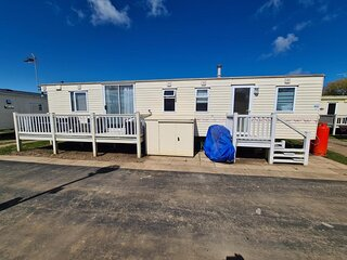 3 bed, 6 berth caravan for hire at Heacham Holiday Park in Norfolk ref 21011C