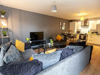 TruStay Apartments Manchester - Modern Two-Bedroom Serviced Apartment