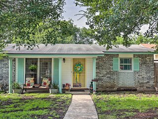 NEW! Vintage Hideaway < 6 Miles to Lackland AFB!