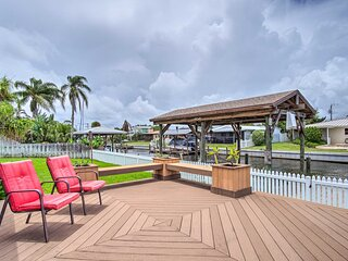 NEW! Sunny Canalfront Getaway, 8 Mi to Cocoa Beach