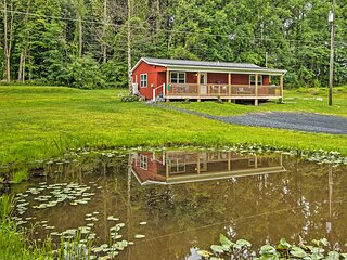 NEW! Cozy Cottage w/ Water Views: Hiking & Boating