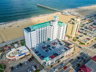 Family Vacay! Unit With Full Kitchen! Beachfront, Pool!
