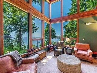 Camel Rock House - Magical Majestic Ocean & Redwood Views on 3 Acres!