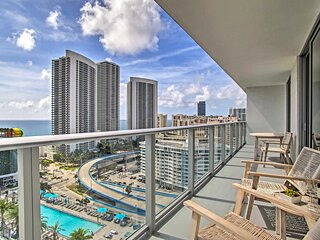 NEW! Luxe Hollywood Condo w/ Upscale Amenities!