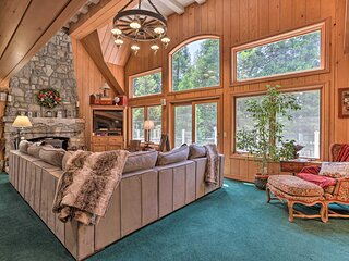 NEW! Waterfront Lake Arrowhead Home w/ Sunset View