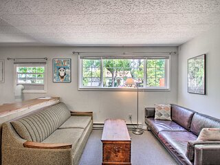 NEW! Eugene Cottage w/ Deck: 1 Mile to Downtown!