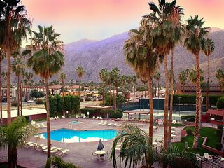 2 Spacious 1BR Units for Groups,Full Kitchen,Pool