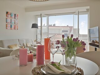 Stunning sunny renovated apartment on top location in 't Zoute