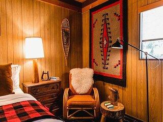 Raccoon Retreat at Fireside Inn