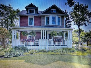 The York House 2 Bedroom Suite / Minutes from Bay Beach 20 minutes from Niagara