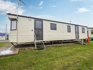 4 bed,10 berth caravan at St Osyth, Clacton-on-Sea, Essex ref 28132GC