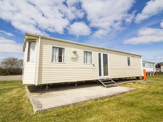6 berth caravan for hire at St Osyths Holiday Park in Essex ref 28099GC