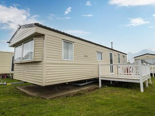3 bed, 8 berth caravan for hire at St Osyth Park near Clacton-on-Sea ref 28039CW