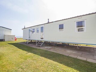 Caravan with a sea view for hire at Skipsea Sands Holiday Park ref 41148NF
