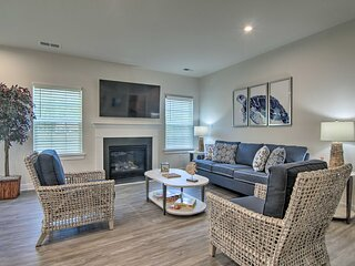 NEW! Chic Frankford House w/ Gas Grill & Patio!