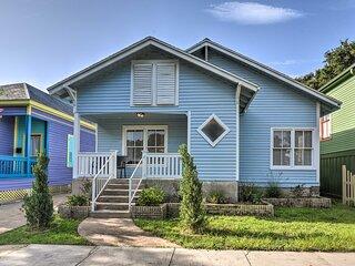 NEW! 'Beachy Keen' House: 1 Mi to Pleasure Pier!