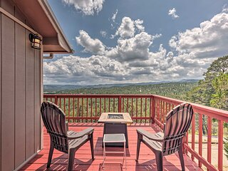 NEW! 'Mountain's Majesty' Cabin w/ Mtn View Deck