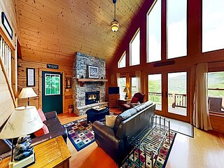 Mountain-View Scenic Wolf Home   Game Room & Fireplaces   Walk to Slopes