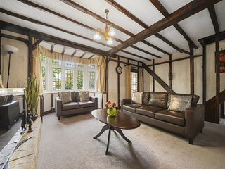 Lovely 5-Bed House in Maidstone