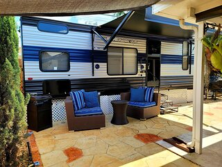 Luxury RV w/patio,Relax  Brand New !! See pic