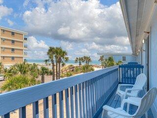 Sandy Feet Retreat with 4 Oceanview Balconies