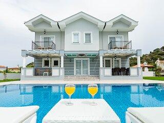 Villa Zambak 6 bedrooms all en suite sleeps 12 people