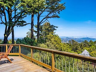 Windswept 70s Inspired 3BR! Parking & Great Views!