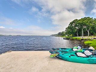 NEW! Coastal Westport Cottage: Paddle the Bay!