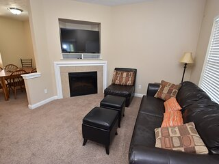 4 bedroom 3.5 bath townhome mins to Notre Dame Unv.