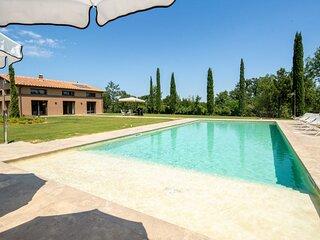 Villa Benedetto - Modern villa with pool and sauna near San Gimignano