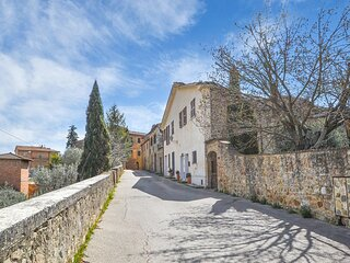 Amazing apartment in San Quirico d'Orcia with WiFi and 1 Bedrooms (ITS053)