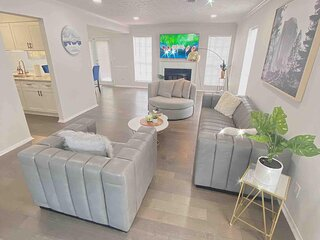 New Trendy Renovated House Get Away to Downtown Norcross