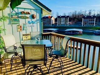 Lakefront Retreat with 2 pools & Hot Tub at Southwood Shores