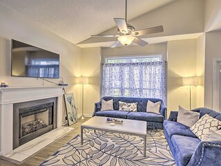 NEW! North Myrtle Beach Townhome w/ Community Pool
