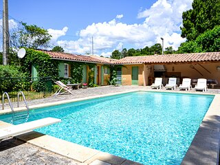Stunning home in Roussillon with WiFi and 2 Bedrooms (FPV406)