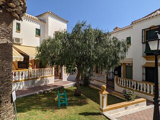 Two Bedroom, Ground Floor, Air-conditioned Apartment 300m from the Beach