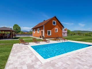 Beautiful home in Otocac with Outdoor swimming pool, WiFi and 3 Bedrooms (CCL109