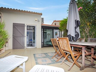 Amazing home in Argelès sur mer with Outdoor swimming pool and 2 Bedrooms (FLP1