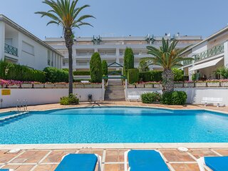 Apartment 100m beach with pool and parking